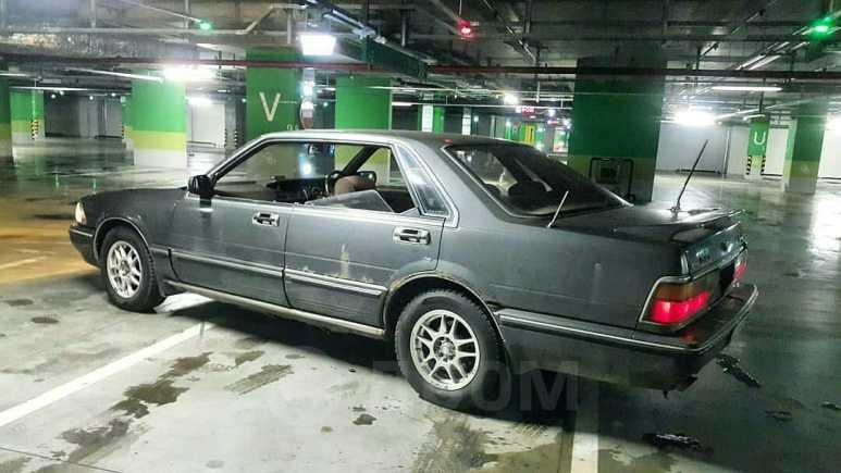 Nissan Gloria, 1989 год, 300 000 руб.