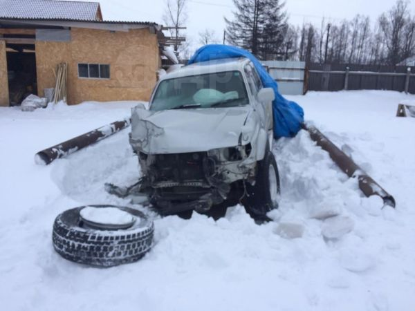 Toyota Hilux Surf, 2001 год, 300 000 руб.