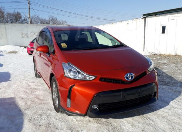 Toyota Prius a, 2015 год, 980 000 руб.