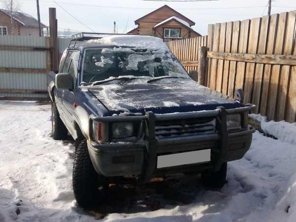 Mitsubishi Strada, 1993 год, 420 000 руб.