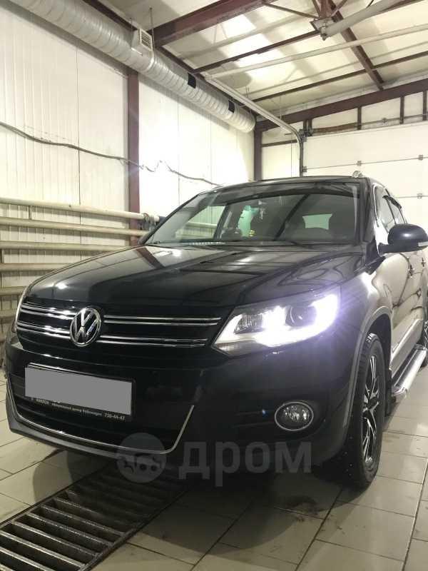 Volkswagen Tiguan, 2011 год, 1 175 000 руб.
