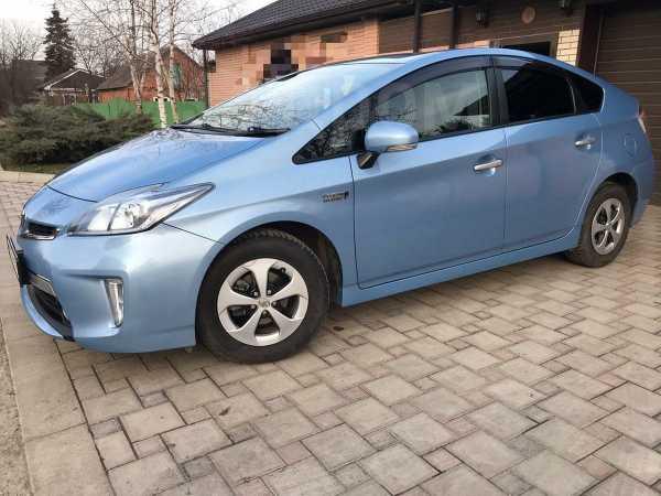 Toyota Prius PHV, 2013 год, 1 035 000 руб.