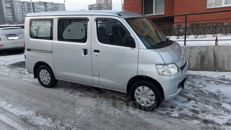 Toyota Town Ace, 2009 год, 430 000 руб.