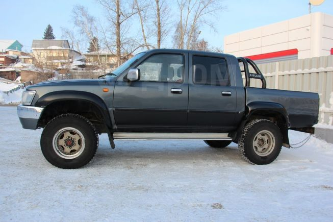 Toyota Hilux Pick Up, 1992 год, 520 000 руб.