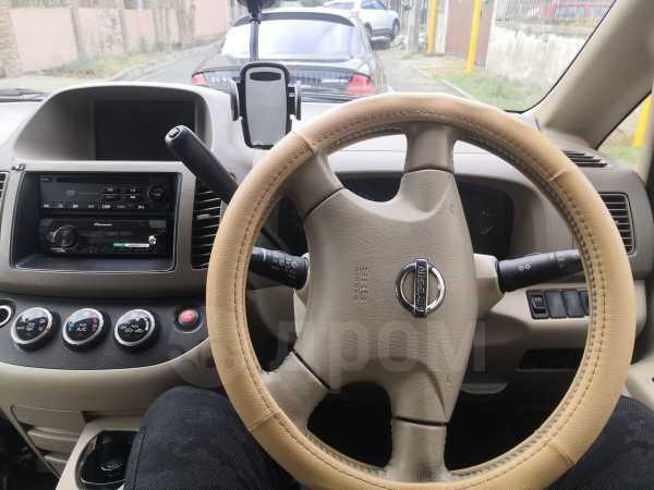 Nissan Serena, 2002 год, 255 000 руб.