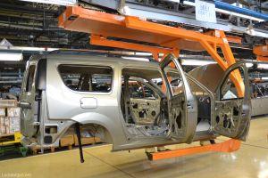 АвтоВАЗ отправит в простой одну из производственных линий