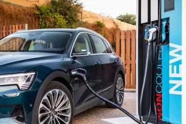Чек за зарядку Audi E-Tron может превышать стоимость заправки дизельного Audi Q7