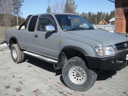 Toyota Hilux Pick Up 2002 - отзыв владельца
