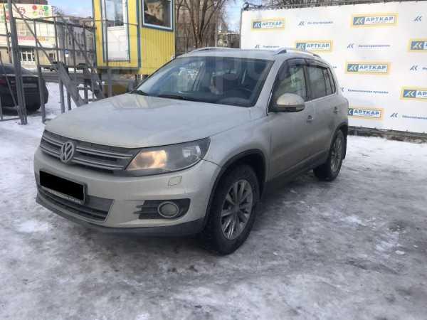Volkswagen Tiguan, 2012 год, 697 000 руб.