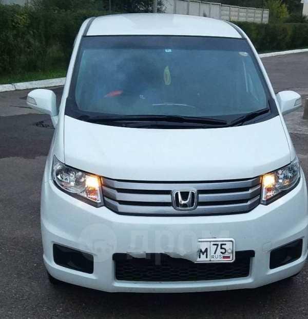 Honda Freed Spike, 2014 год, 640 000 руб.