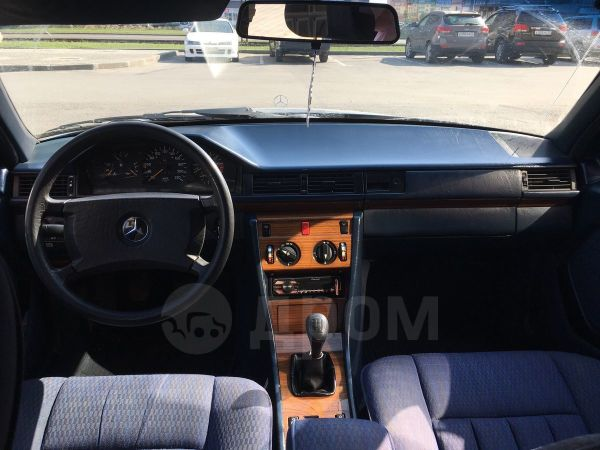 Mercedes-Benz E-Class, 1990 год, 215 000 руб.