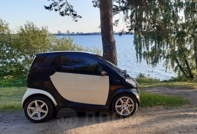 Smart Fortwo, 1999 год, 225 000 руб.