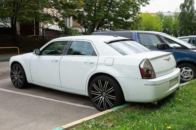 Chrysler 300C, 2005 год, 1 150 000 руб.