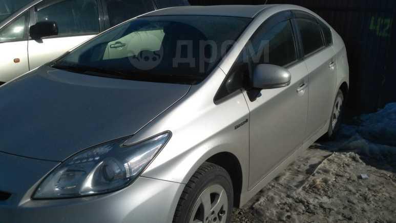 Toyota Prius, 2011 год, 635 000 руб.