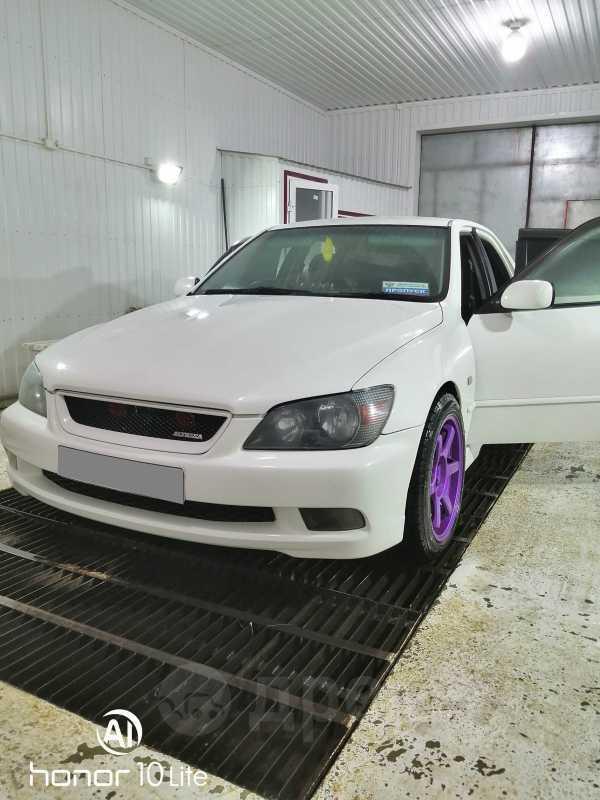 Toyota Altezza, 2001 год, 430 000 руб.