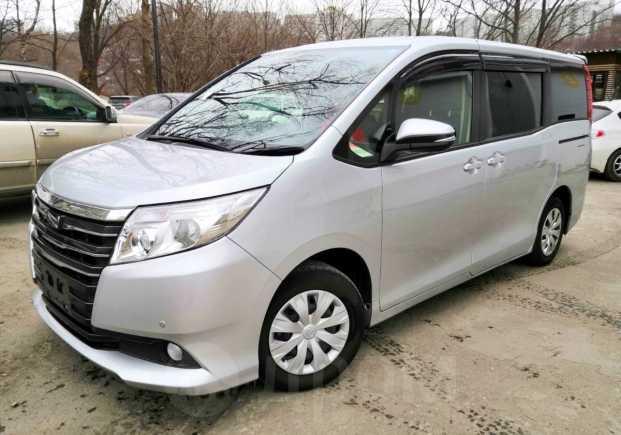 Toyota Noah, 2015 год, 1 195 000 руб.