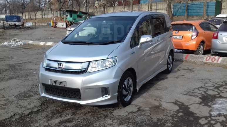 Honda Freed Spike, 2015 год, 665 000 руб.