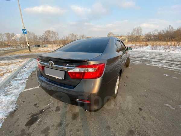 Toyota Camry, 2011 год, 975 000 руб.
