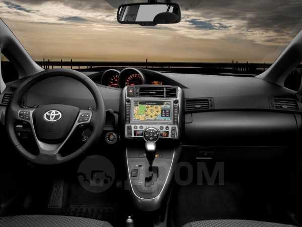 Toyota Verso, 2012 год, 795 000 руб.
