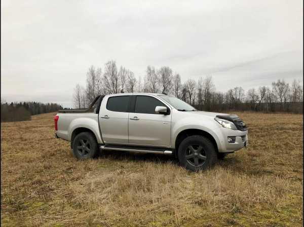 Isuzu D-MAX, 2014 год, 1 400 000 руб.