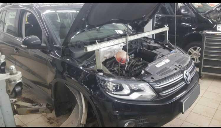 Volkswagen Tiguan, 2012 год, 920 000 руб.