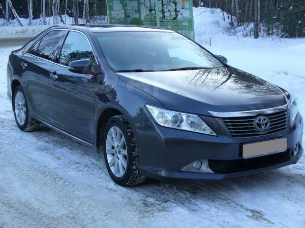 Toyota Camry, 2013 год, 975 000 руб.