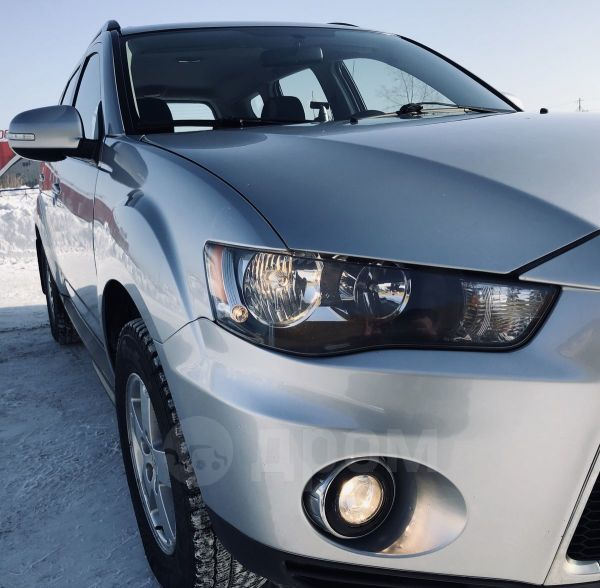 Mitsubishi Outlander, 2011 год, 750 000 руб.