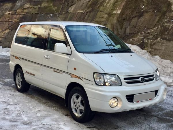 Toyota Town Ace Noah, 2000 год, 440 000 руб.