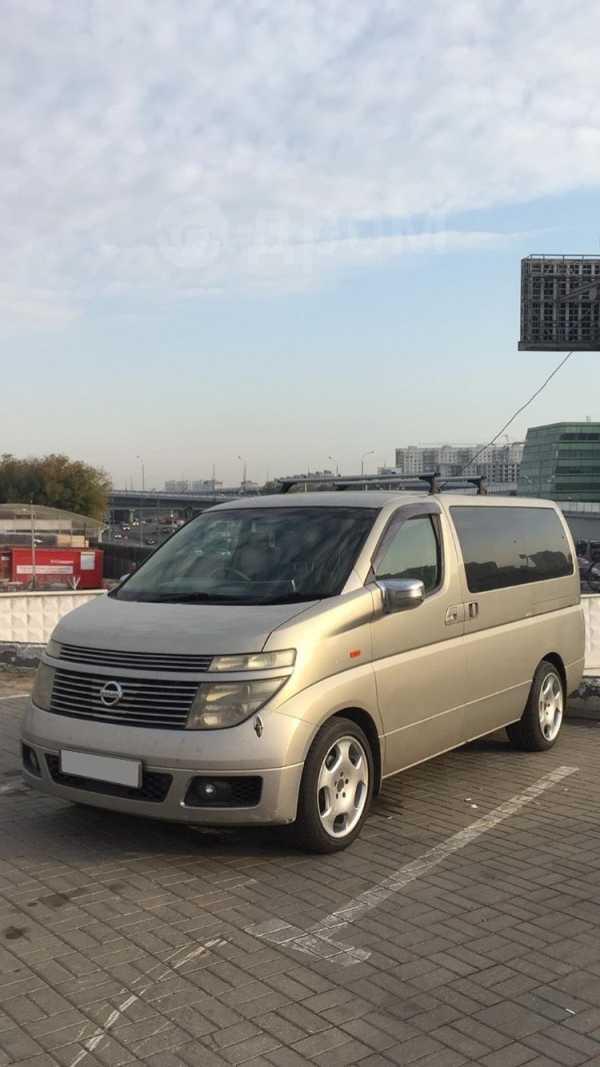 Nissan Elgrand, 2002 год, 630 000 руб.