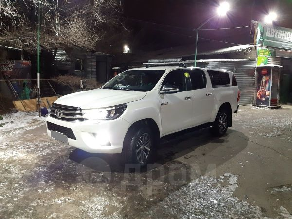 Toyota Hilux Pick Up, 2015 год, 2 000 000 руб.