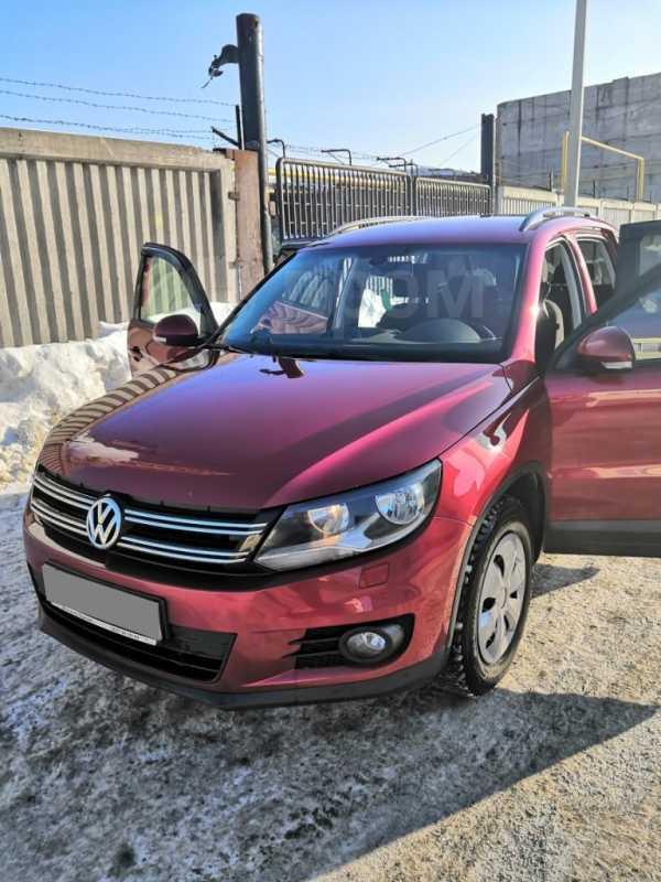 Volkswagen Tiguan, 2011 год, 610 000 руб.