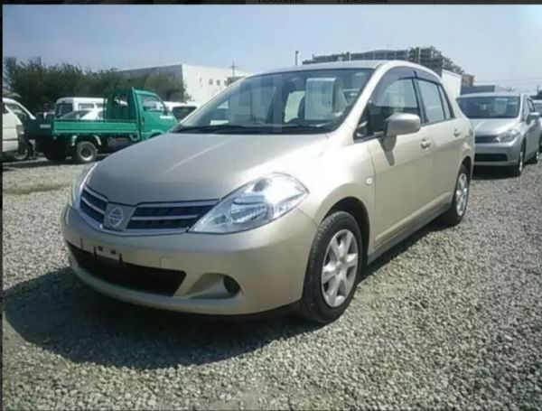 Nissan Tiida Latio, 2011 год, 450 000 руб.