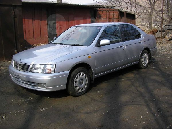 Nissan Bluebird, 2000 год, 425 000 руб.