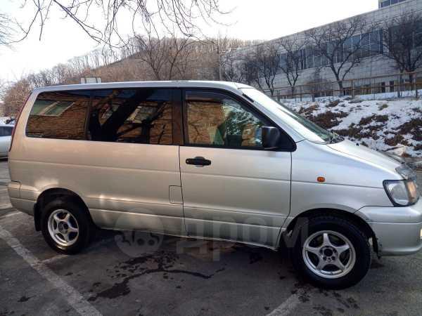 Toyota Town Ace Noah, 2001 год, 460 000 руб.