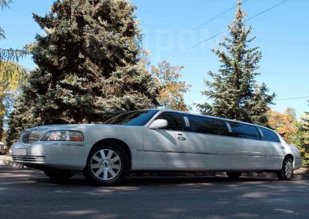 Lincoln Town Car, 2004 год, 450 000 руб.