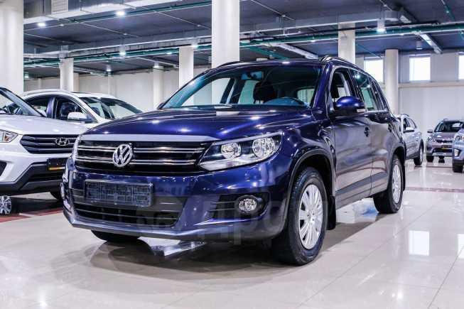Volkswagen Tiguan, 2012 год, 585 001 руб.