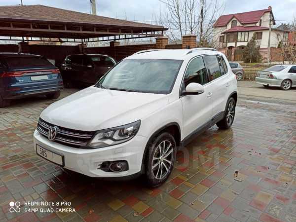 Volkswagen Tiguan, 2012 год, 799 000 руб.