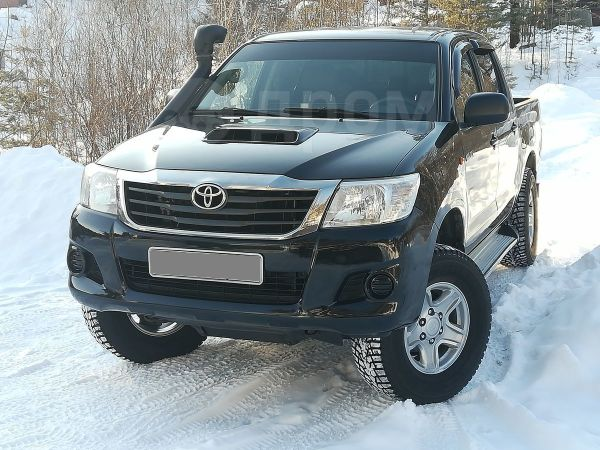 Toyota Hilux Pick Up, 2012 год, 1 070 000 руб.