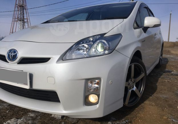 Toyota Prius, 2011 год, 707 000 руб.