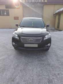 Кызыл Toyota RAV4 2012