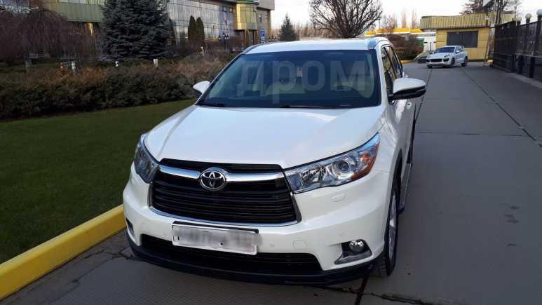 Toyota Highlander, 2015 год, 2 350 000 руб.