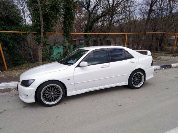Toyota Altezza, 1999 год, 455 000 руб.