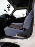 Toyota Hiace, 2003 год, 590 000 руб.