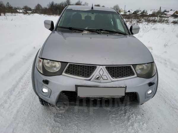 Mitsubishi L200, 2012 год, 749 000 руб.