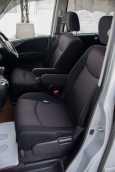 Nissan Serena, 2012 год, 950 000 руб.