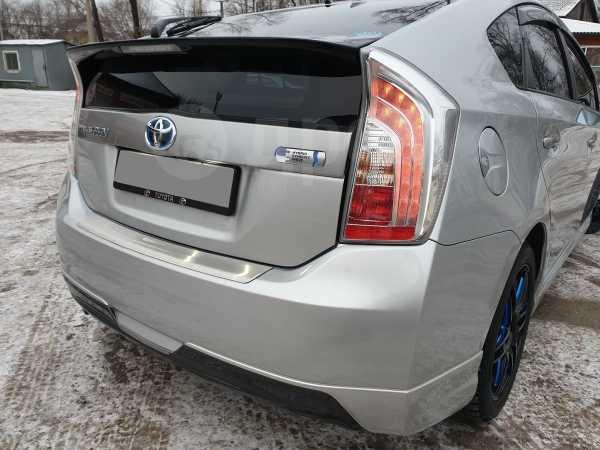 Toyota Prius PHV, 2014 год, 1 170 000 руб.