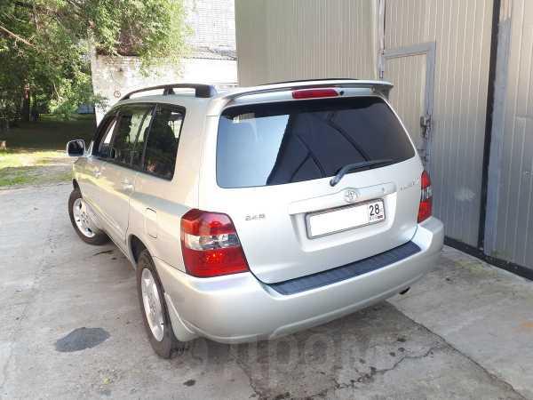 Toyota Kluger V, 2003 год, 745 000 руб.