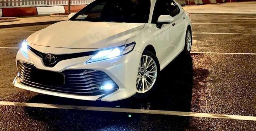 Toyota Camry, 2018 год, 1 890 000 руб.