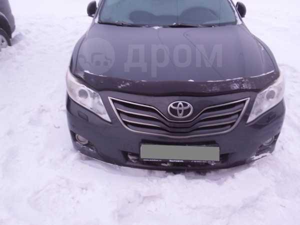 Toyota Camry, 2011 год, 630 000 руб.