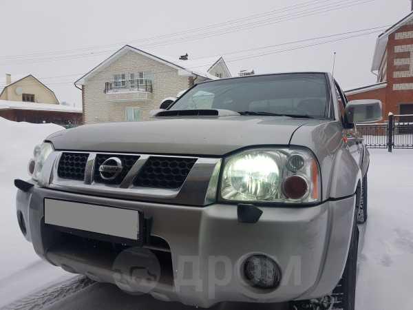 Nissan NP300, 2013 год, 699 000 руб.